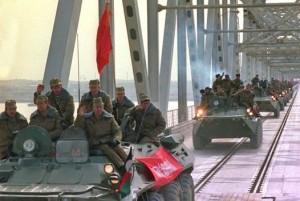 Militari sovietici se retrag din Afganistan
