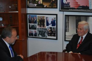 Avigdor Lieberman si Dick Lugar