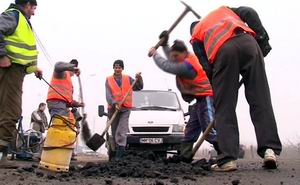 asfaltare gropi (emaramures.ro)