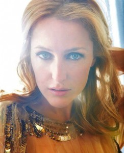 Gillian Anderson (out.com)