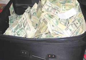 valiza bani dolari