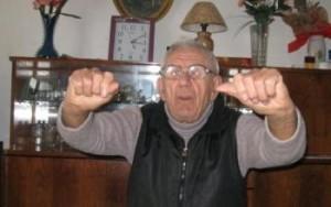 I-au crescut dinti la 92 de ani