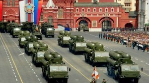 Rusia rachete S-400 la parada