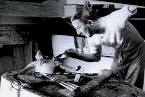 138 de ani de la nasterea lui Howard Carter profanator de morminte