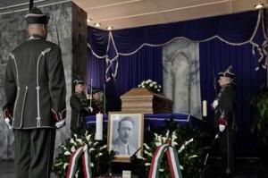 Inhumarea lui Nyiro Jozsef amanata - MAE convoaca ambasadorul Ungariei
