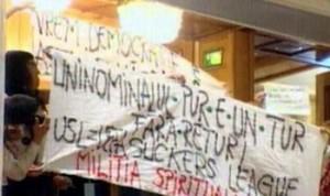 Protest la Camera Deputatilor - votul uninominal