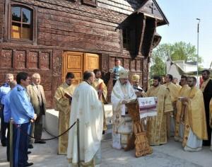 Patriarhul Daniel a sfinţit Biserica Eroilor Aviaţiei Române