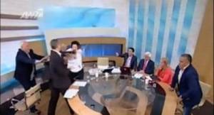 Parlamentari greci - bataie in direct la televiziune