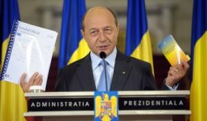 Traian Basescu nu se teme de suspendare - ramane cu familia