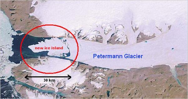 Un aisberg gigantic s-a desprins din Groenlanda