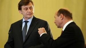 De ce Crin Antonescu îl susţine pe Traian Băsescu