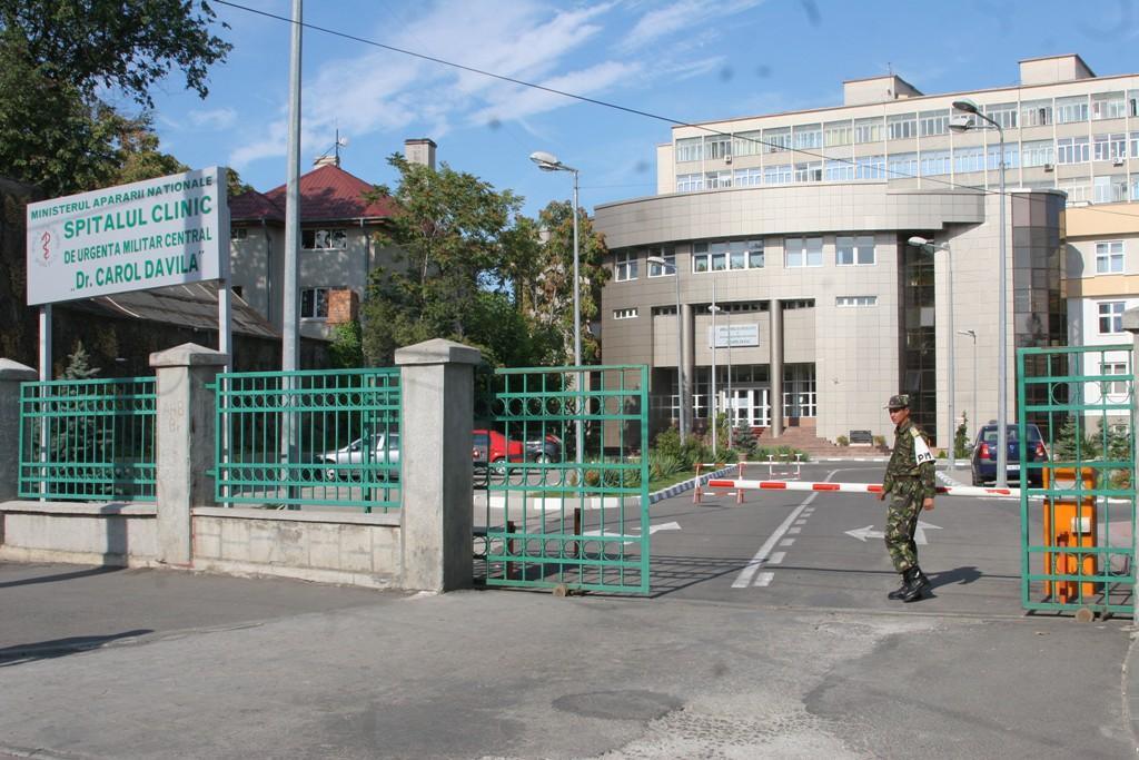 Medic militar din București, reținut pentru luare de mită