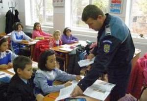11.700 de poliţişti mobilizaţi la început de an şcolar