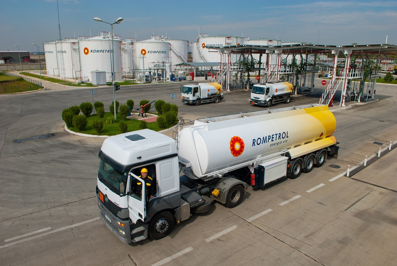 Guvernul a aprobat privatizarea Rompetrol Rafinare
