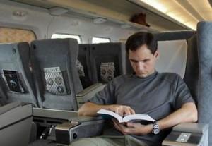 CFR aduce cultura în trenuri. Cărţi gratuite în InterCity