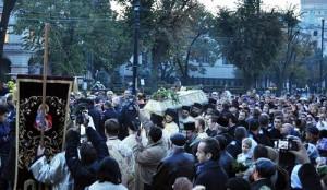 Moastele Sfintei Cuvioase Parascheva scoase in procesiune la Iasi