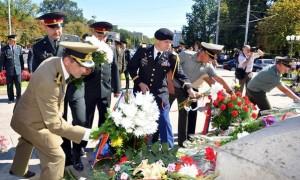 Danicu Tanasa - depunere de flori si coroane la Chisinau
