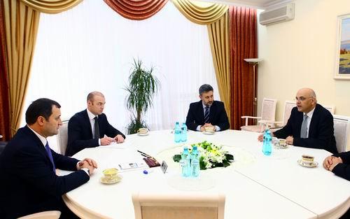 [Imagine: Vlad-Filat-si-Raed-Arafat.jpg]