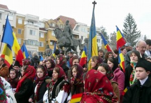 Harghita şi Covasna, mii de oameni la Ziua Naţională a României