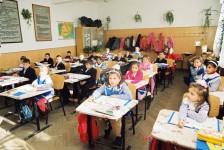 Încep înscrierile la şcoli