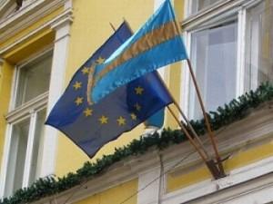 Steag secuiesc. Ponta îi cere lui Corlăţean să reacţioneze la obrăzniciile Ungariei