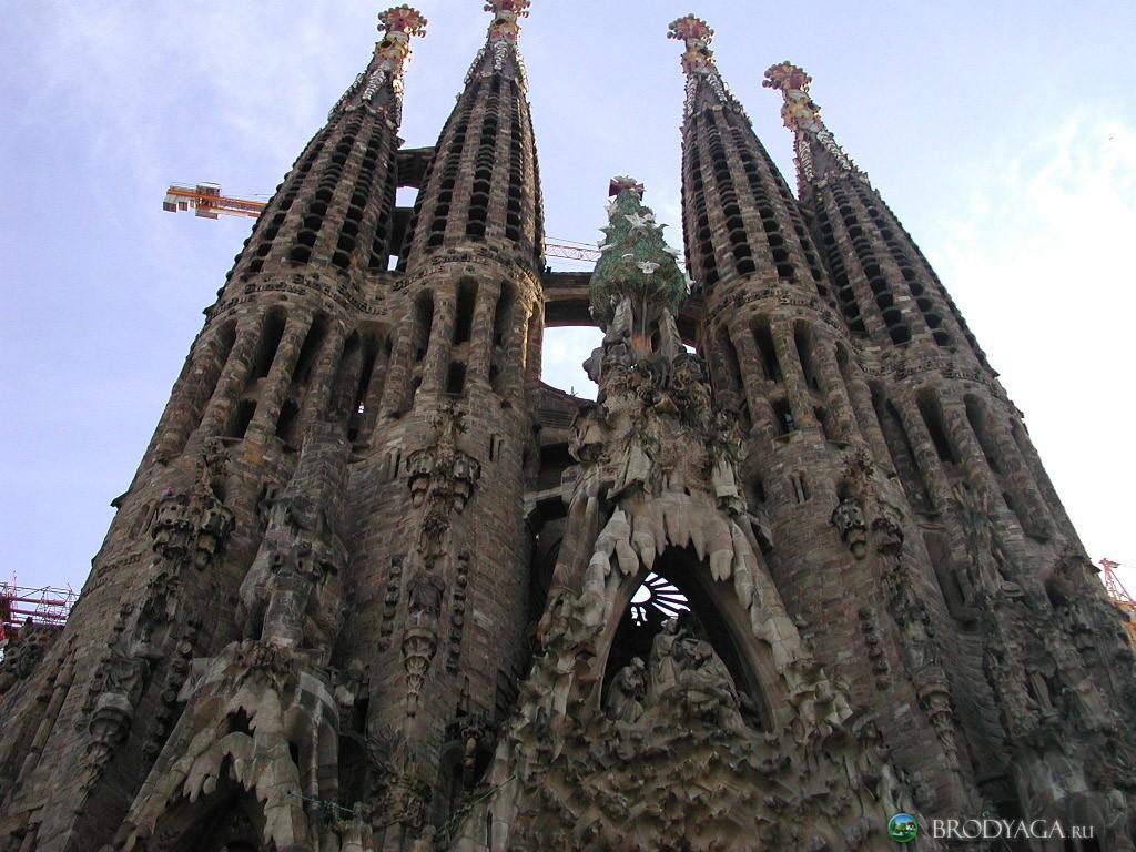 161 de ani de la nasterea lui Antoni Gaudi si Sagrada Familia