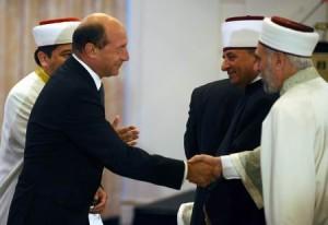 S-a încheiat Ramadanul. Ce transmite Băsescu?