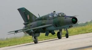 Un MiG-21 străin a luat foc la Bacău