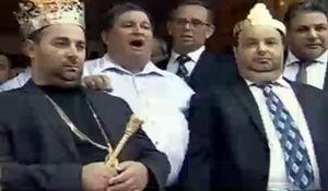 """Inflaţie de """"regi"""" ai rromilor. Câte o coroană pentru Dorin şi Daniel Cioabă"""
