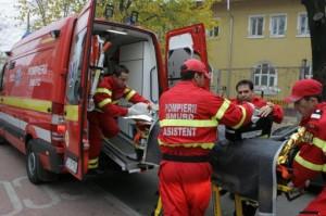 Grav accident în Gorj. Camionetă răsturnată în râpă