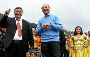 Brădişteanu-Cioabă. Corlăţean îl acuză pe Băsescu că vrea voturile romilor