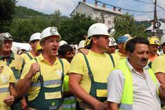 Protest-la-Rosia-Montana--Mineri-de-la-RMGC-cer-aprobarea-proiectului