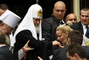 Coadă lungă la Kiril. Conducerea R Moldova începe pupatul rusului!