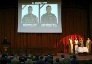 Cei doi militari morţi în Afganistan, avansaţi şi decoraţi post-mortem
