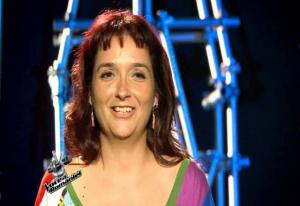 Vocea Romaniei, 12 octombrie 2013. Claudia Iuga are 34 de ani si este functionar cu statut special la MAI.