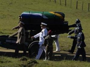 Nelson Mandela a fost înmormântat la Qunu