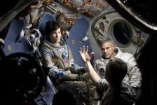Sandra Bullock și George Clooney în Gravity