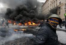Bătaie în parlamentul ucrainean, după interzicerea utilizării forţei împotriva manifestanţilor