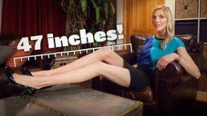 Brooke Banker, 26 de ani, se poate lăuda că are cele mai lungi picioare din New York