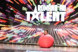 Romanii au talent sezonul 4 episodul 6. Ricardo Massida şi balonul roz