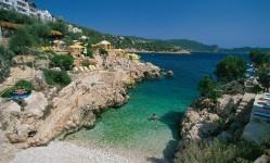 Bucureştenii preferă Antalya