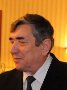 Cine este prof. univ. dr. general de brigadă (r) Stan Petrescu
