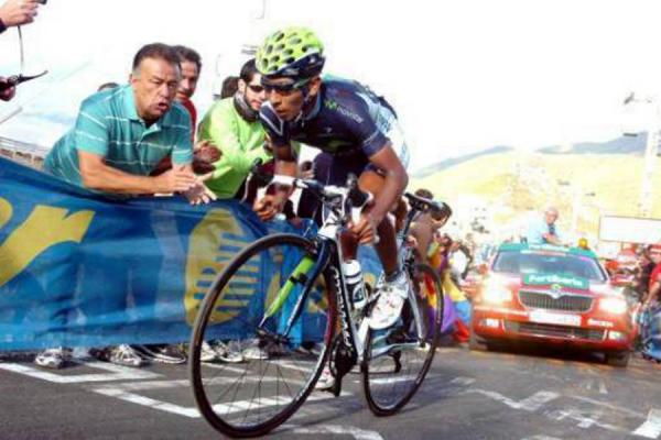 The 27-year old son of father (?) and mother(?), 167 cm tall Nairo Quintana in 2017 photo