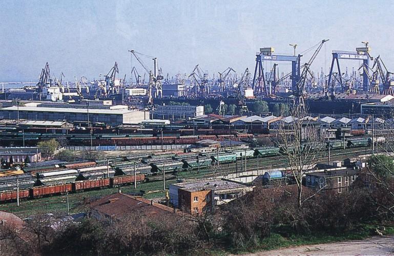 Protest al angajaților din Portul Constanţa față de trecerea unui pachet de 13% din acțiuni la Consiliul Local