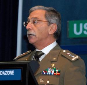șeful de stat major al Comandamentului Aliat Întrunit (JFC) de la Napoli, generalul-locotenent Leonardo di Marco