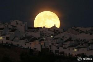 Cum s-a văzut Super Luna în Cadiz - Spania