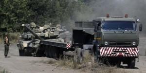 O coloană de blindate a trecut frontiera dinspre Rusia