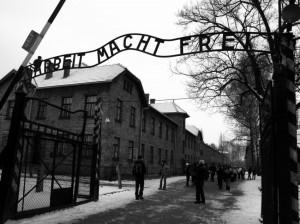 Vaticanul doneazǎ pentru salvarea sitului Auschwitz - Birkneau (foto: johnandkristie.com)