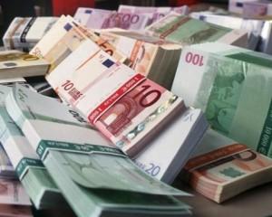 Oradea: DIICOT a descoperit o fabricǎ de bani falși a clanului mafiot Napoli (foto:novinite.com)