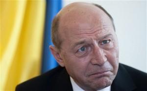 Traian Băsescu îi pune bețe în roate Corinei Crețu.